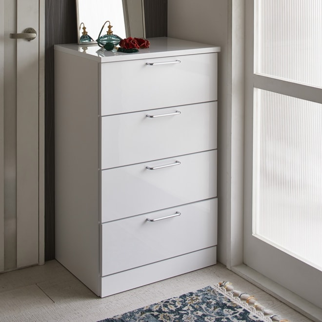 Muro/ムーロ ホワイトモダンチェスト 幅60cm 4段 10cm刻みで選べる豊富なバリエーションで、設置スペースにぴったりフィットできるちょうど良いサイズが見つかります。