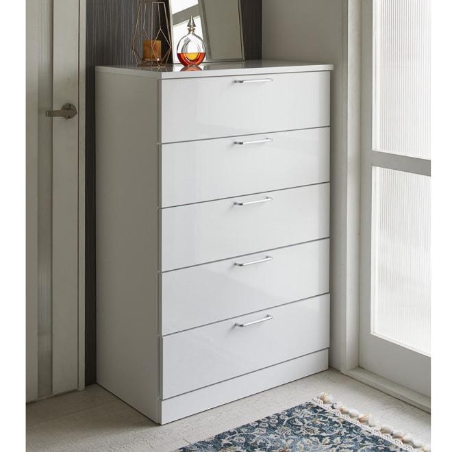 Muro/ムーロ ホワイトモダンチェスト 幅80cm 5段 10cm刻みで選べる豊富なバリエーションで、設置スペースにぴったりフィットできるちょうど良いサイズが見つかります。