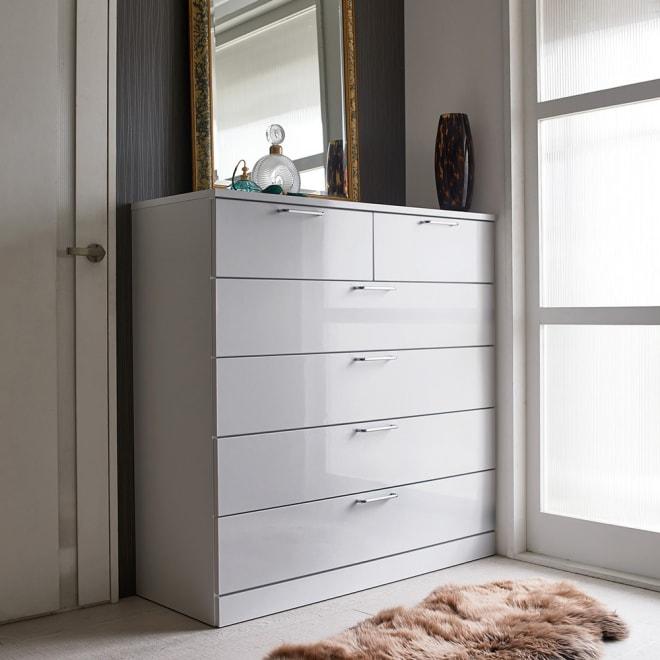 Muro/ムーロ ホワイトモダンチェスト 幅120cm 5段 10cm刻みで選べる豊富なバリエーションで、設置スペースにぴったりフィットできるちょうど良いサイズが見つかります。