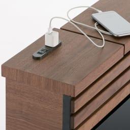 AlusStyle/アルススタイル ベッドシリーズ ユーロトップポケットコイルマットレス付き 充電や、間接照明の電源に便利なコンセントが、ヘッドボードに設置されています。
