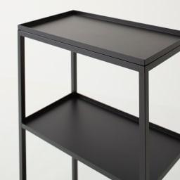 Nifa/ニファ お風呂サイドワゴン 3段 カゴ1個付き 天板まで黒で統一して塗装されていて、シックな印象です。