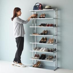 アクリル棚シューズラックシリーズ シューズラック ハイ 幅49cm 女性でも使いやすい高さ設計です。(写真は幅71cmタイプです。)