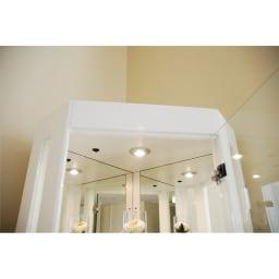 LEDライト付き キュリオコレクションボード コーナータイプ 高さ175cm LEDダウンライトで愛着のコレクションを優雅に演出