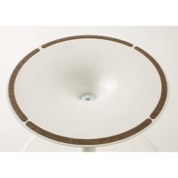 Planet プラネット 円形ダイニングテーブル 直径90cm [connubia calligaris コヌビア/カリガリス] テーブルのベース裏側。安定性と床キズ防止のために、フェルトが貼られています。