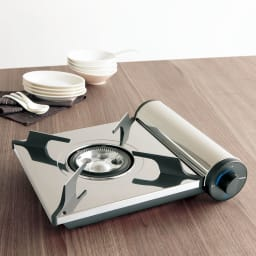 アモルフォ プレミアム 表面はうっとりするほど美しい光沢と耐久性を誇る鏡面ステンレス(0.8mm厚の一枚板使用!)鏡面仕上げなので汚れがとても取れやすく永年きれいな状態でご使用いただけます。