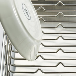 UTAU/ウタウ 皿が縦にも横にも置ける水切り ショート 小さな突起でお皿が立つ。お椀や大皿もすべり知らずでラクラク収納。