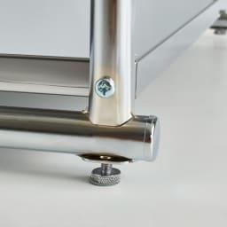 ステンレス大型レンジラック ミドルタイプ オープン 高さ調節できるアジャスター付きでがたつきを防止。