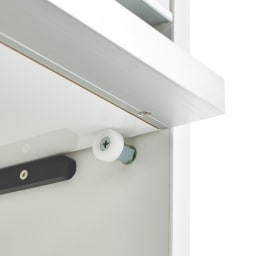 Ymir/ユミル 隠せる家電収納 幅60奥行55cm 2.3段目のフラップ扉は手前に引き出して上部に収納できる構造。開けたままにできるのが便利です。
