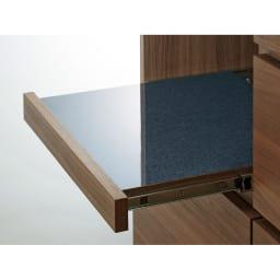 Granite/グラニト アイランド間仕切りキッチンカウンター幅140cm 家電収納付き 〈スライドテーブルメラミン天板〉スライドテーブルにも、熱に強い黒御影石調のメラミンを使用しています。
