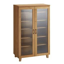 Pippi/ピッピ アルダー材コンパクトキッチン キャビネット 幅80.5cm 大きなガラス扉で収納物の出し入れがしやすく、中に入れるものを選ばないフレキシブルさが魅力です。