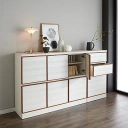 Forma/フォルマ ウッドフレームスクエアキャビネット6枚扉 人気の白い家具にナチュラルのアクセントが加わり、北欧インテリアとの相性抜群です。