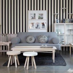 PHILOS/フィロス エレガントシリーズ オープンブックシェルフ 長年のキャリアを生かし、家具のデザインにもファッションの要素を取り入れています。