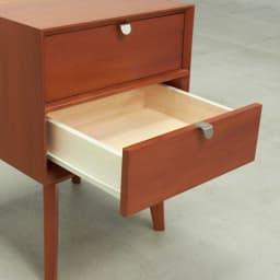 北欧ヴィンテージ風Vカットデザイン サイドテーブル・サイドチェスト・ナイトテーブル 幅40cm 引き出しはコロレール式だから開閉スムーズ。