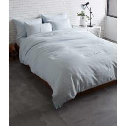 French Linen/フレンチリネン ヘリンボーン織カバーリング 掛け布団カバー [コーディネート例](イ)ライトブルー ※お届けは掛けカバーです。 ※実際の色よりも暗く写っています。