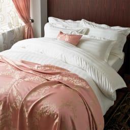 Sateen/サティーン ストライプ 超長綿カバーリング 掛け布団カバー [使用イメージ]ホワイト シルクのようになめらかなコットン製です。