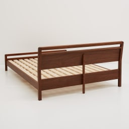 MARK/マーク 木製ベッド ウォルナット ベッドフレームのみ ヘッドボードの背面も丁寧に仕上げています。