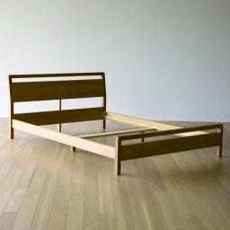 MARK/マーク 木製ベッド ウォルナット ポケットコイルマットレス 女性でも簡単な組み立て式。接合には厳しい強度を求めた金具を厳選しているため、耐久性も◎