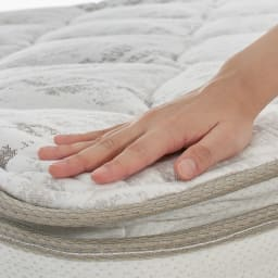 SIMMONS/シモンズ ポケットコイルピロートップマットレス 【この上ない眠りと心地よい安定感を贅沢に味わうピロートップ仕様】マットレスの上にもう1層、一体化したクッション材を施した、やさしく体を包み込む贅沢な寝心地。