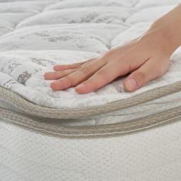 【配送料金込み 組立・設置サービス付き】SIMMONS/シモンズ シェルフLEDベッド 6.5インチピロートップ この上ない眠りと心地よい安定感を贅沢に味わうピロートップ。マットレスの上に一体化したクッション材を施した、やさしく体を包み込む贅沢な寝心地。