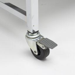 Varie(バリエ) クローゼットシリーズ オープンラック キャスターは重さを支える頑丈仕様です。前輪2つはストッパー付きでしっかり固定できます。