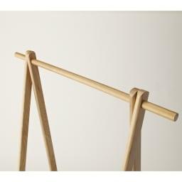 Incery(インサリー) 天然木製ハンガーラック 幅80cm ナチュラル ハンガーポール部。木目が美しい天然木製。