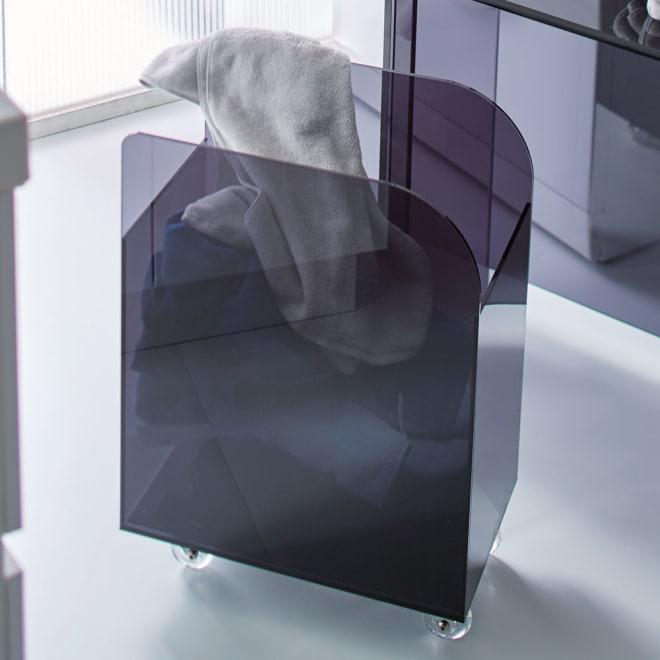 Nunnally/ナナリー アクリル ランドリーワゴン 無造作に洗濯物を投げ込んでも、生活感を隠せます。