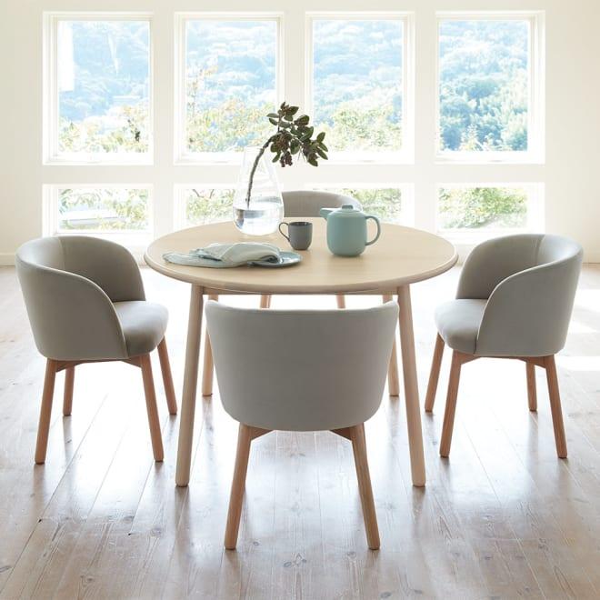 Ridge/リッジ ダイニングテーブル 天然木丸テーブル 直径110cm うっすらホワイトのラッカー塗装仕上げ。ナチュラルでモダンな北欧スタイルダイニングテーブルです。
