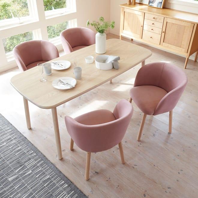 Ridge/リッジ ダイニングテーブル 天然木長方形テーブル 幅160cm×75cm うっすらホワイトのラッカー塗装仕上げ。ナチュラルでモダンな北欧スタイルダイニングテーブルです。