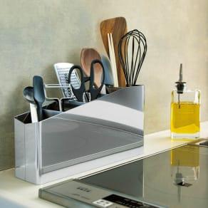 ステンレス製キッチンツールスタンド幅30cm 写真