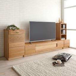 Grosse(グロッセ) 隠しガラステレビ台シリーズ レッドオーク テレビ台 幅180cm [コーディネート例]※お届けはテレビ台 幅180cmタイプです。