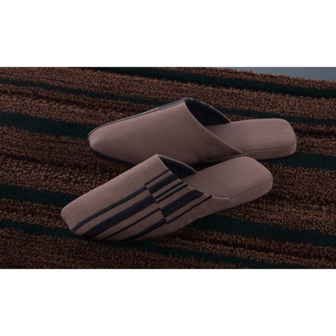 Madison/マディソンシリーズ スリッパ1足 ブラックとブラウンの深みのある色使いがクールで大人の雰囲気に。トイレやお部屋での日常のご使用はもちろん、大切なゲストをお向かいする際にもおすすめの一足です。