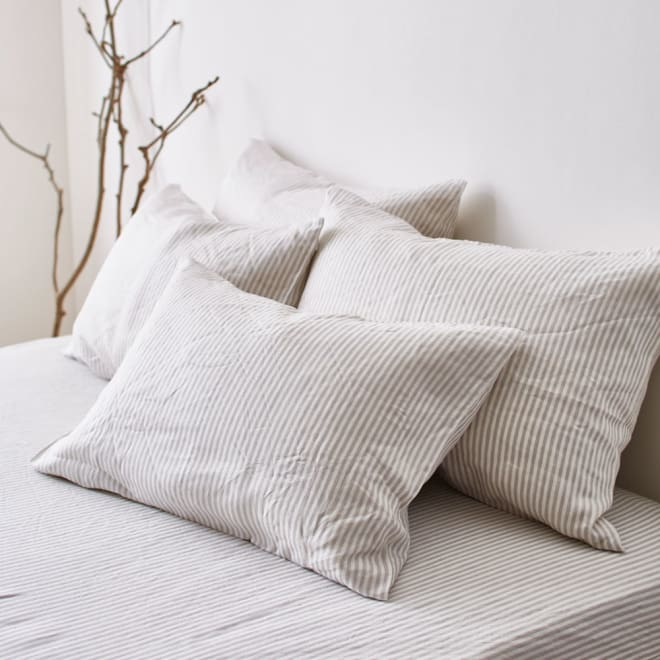 French Linen/フレンチリネン ヘリンボーン織カバーリング ピローケース(1枚) (ア)グレー ※お届けはピローケースです。  吸湿・速乾性に優れたリネンを、少し厚めに仕上げたので、夏だけでなく通年快適にご使用していただけます。
