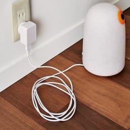 マジス/イッタラ バードライト パルトゥリ LINNUT/リンナット[MAGIS・マジス iittala・イッタラ/デザイン:オイバ・トイッカ] 中のライトはLED照明。USBケーブルの充電式で、フル充電で約6時間ほど点灯します。タッチボタン式で光量調整も可能です。