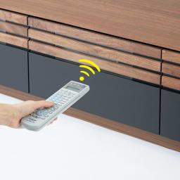 AlusStyle/アルススタイル リビングシリーズ コーナーテレビ台 幅119.5cm テレビ台のデッキのリモコン操作は引き出しを閉めたままでも可能。(デッキの種類によっては高さ調整が必要です)