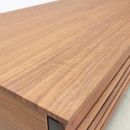 AlusStyle/アルススタイル リビングシリーズ リビングテーブル 幅110.5cm 天板にはウォルナット柄をリアルに再現した、キズ汚れに強い強化紙を採用。