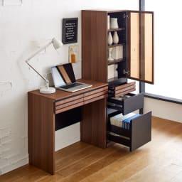 AlusStyle/アルススタイル 薄型ホームオフィス ブックシェルフ幅40.5cm [コーディネート例] たっぷり収納キャビネットと合わせて、本格的な書斎として。