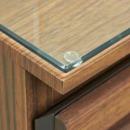 AlusStyle/アルススタイル チェストシリーズ 三面鏡ドレッサー 幅80.5cm 天板には強化ガラスをセット。化粧品などをこぼしてもすぐにきれいに。清潔さを保ちます。