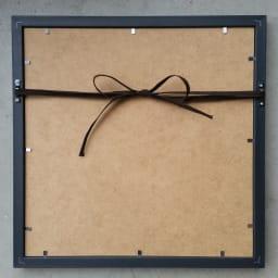 キャット&ドッグ ペインティングフレーム 壁掛けようの紐付きです。