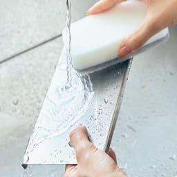 水が流れる トレー付き ソープラック 水が流れるトレーは、はずして洗えます。