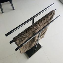 オールステンレス製 バスタオルハンガー 奥行きスリム 3連