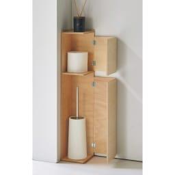 省スペースでおしゃれに収納をプラス!トイレ コーナースリム収納 上扉付き 上扉内部にはトイレットペーパーが1個入ります。文庫本の収納も可能です。