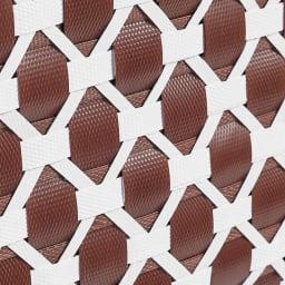 Sepia/シーピア フタ付きスタッキングバスケット 小 幅30cm 奥行20cm 高さ18.5cm 水や汚れに強い丈夫な素材で、水回りでも大活躍。※手作り商品のため、お届けする商品のサイズ、風合いが多少異なる事があります。