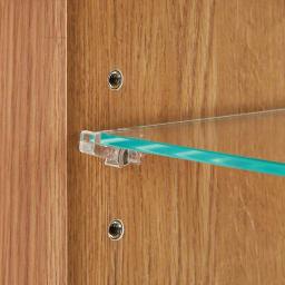 Taide/タイデ 天然木卓上キュリオケース 幅60cm高さ60cm ガラス棚板は透明樹脂のダボでしっかり固定。ダボも透明な素材にこだわり、コレクションを見栄え良く飾ることができるよう細部までこだわりました。
