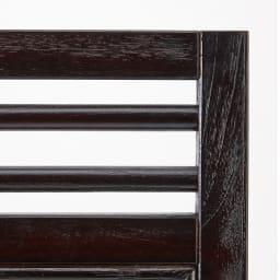 Spesso/スペッソ 折り畳みパーテーション 3連 高さ160cm (イ)ダークブラウン、(ウ)ホワイトはどちらもフレームはブラックに近い濃色のブラウン。はっきりとした色合いで空間をシャープな印象に。