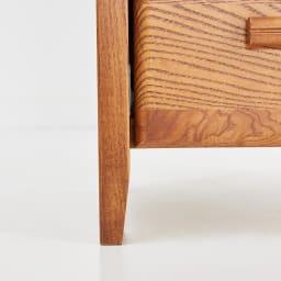 Kasvi/カスビイ コンパクト収納 スリムチェスト 幅34cm高さ78cm 脚はわずかに床に向かって細くなるようにデザインし、軽やかな印象に。