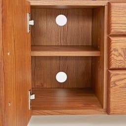 Kasvi/カスビイ コンパクト収納 リビングキャビネット 幅63cm高さ78cm 扉内にコード穴付きで、ルーターなどを隠して収納できます。