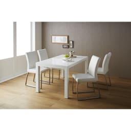 Steady ステディダイニングセット お得な5点セット (テーブル幅140cm・伸長時200cm) 使用イメージ(テーブル通常時・幅140cm) ホワイト