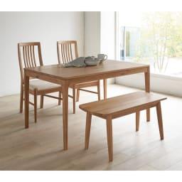 オーク無垢材ダイニングテーブル 幅150cm Luomu/ルオム 北欧スタイルのダイニングルームに。写真のテーブルは180cmタイプ、椅子とベンチは参考商品です。