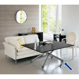 Lift-Up リフトアップ イタリア製昇降エクステンションテーブル[昇降式・伸長式・キャスター付き] テーブル幅110cm×70cm[伸長時140cm×110cm] ウェンジ 天板伸長時。シンプルなフォルムなので、どんなテイストのインテリアともコーディネートできます。