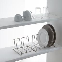 水切りもできるディッシュスタンド 小2個の使用例です。